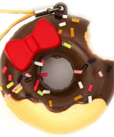 Hello-Kitty-chcolate-donut-squishy-charm-164367-1