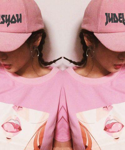 Pink Manga Mirror