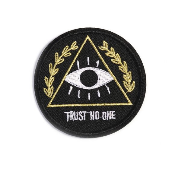 1PC-Patches-For-Clothing-Black-Badge-with-Eyes-Triangle-Leaves-Text-TRUST-NO-ONE-Patches-For