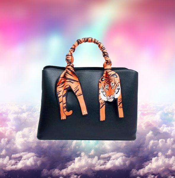 3 Tiger on bag